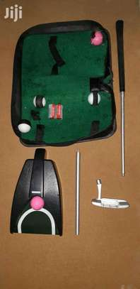Golf Trainer Collapsible Travel Kit. image 3