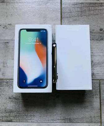 Apple IPhone x 256 Gigabytes Silver And Airpods image 5