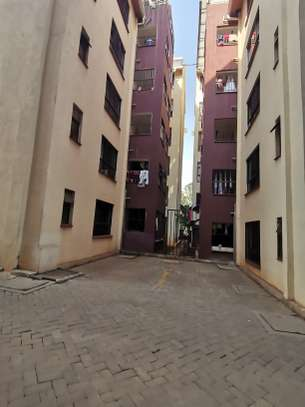 TASTEFULLY DESIGNED 3 BEDROOMED APARTMENT ALL ENSUITE WITH DSQ image 4