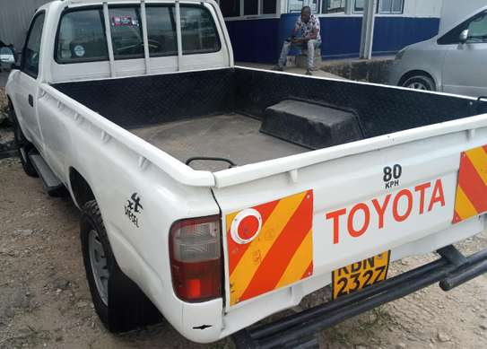 Toyota Hilux - Single Cabin 4WD image 3