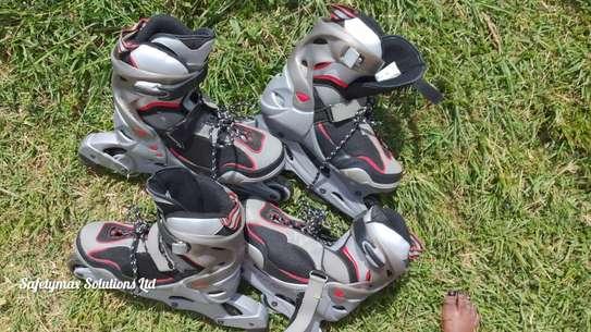 Roller skating shoes image 4