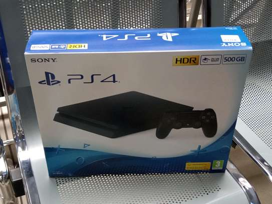Sony PS4 PlayStation 4 Brand New With 500GB