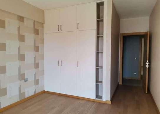 3 bedroom apartment for rent in Kileleshwa image 5