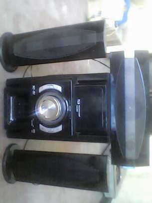 Hi Fi Stereo System image 1