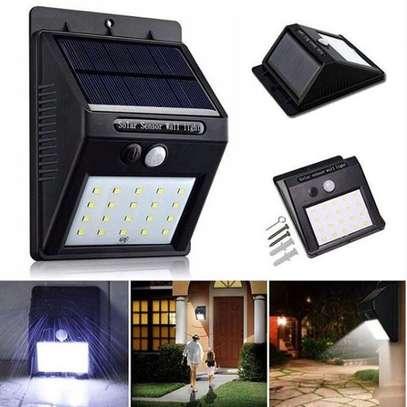 Solar motion sensor light Detects motion and light image 1
