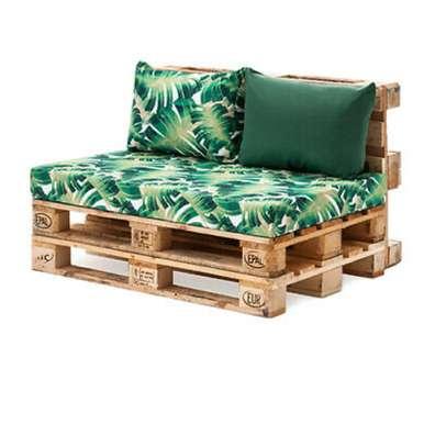 BEAUTIFUL 2 SEATER PALLET SOFA WITH FUN COLOURS