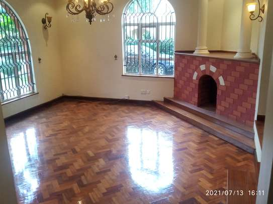 Spacious 4 bedroom home to to let@ Garden estate image 11