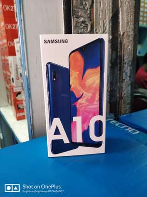 Samsung Galaxy A10 image 1