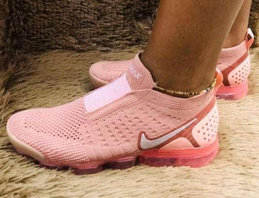 Pink Vapor Max Sneakes