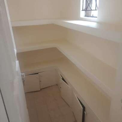 Spacious 3 bedroom apartment in Kileleshwa area image 1
