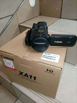 canon video camera image 1
