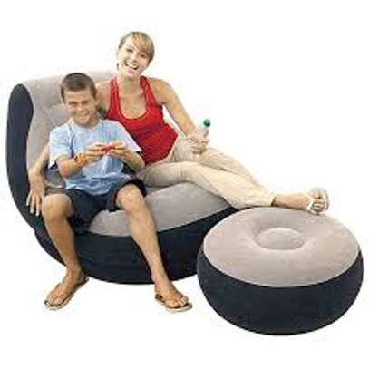 inflatable luxury seat with footrest image 2