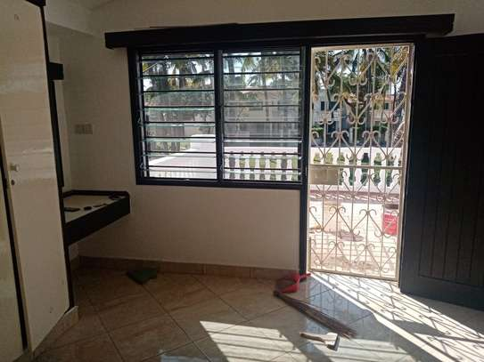 4br house for rent in Nyali Mombasa. HR33 image 13