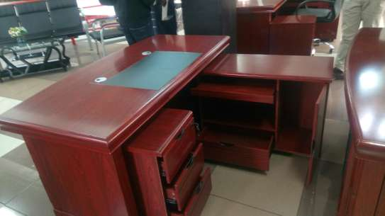 1.6m executive office desk