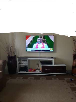 TV MOUNTING AND DSTV INSTALLATION