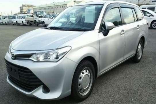 Toyota Fielder image 2