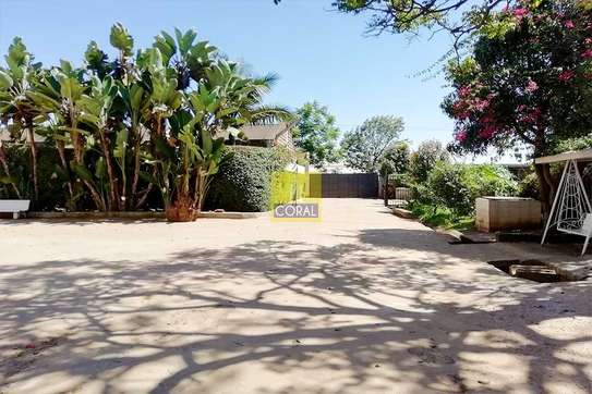 4000 ft² warehouse for rent in Kikuyu Town image 1