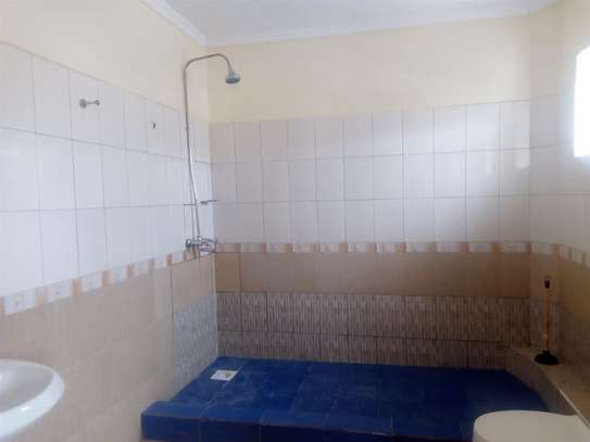 4 bedroom house for rent in Syokimau image 13