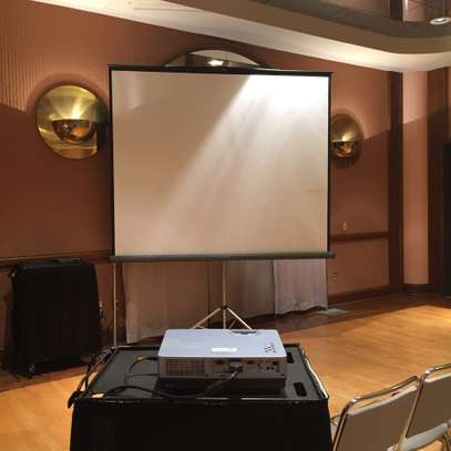 Projector and Tripod projection screen Rental