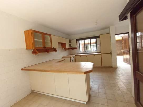 4 bedroom townhouse for rent in Spring Valley image 4