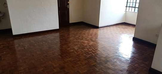 3 bedroom Apartment with DSQ to Let image 2