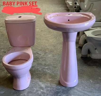 Close couple toilet & sink set image 4