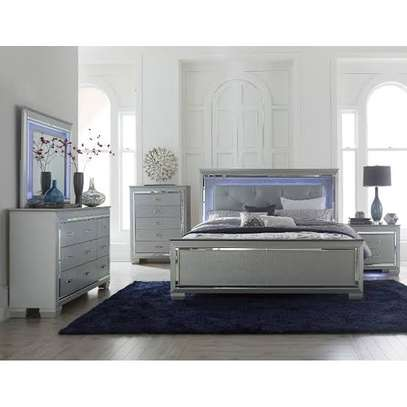 Adhessive mirror tufted bed sets image 1