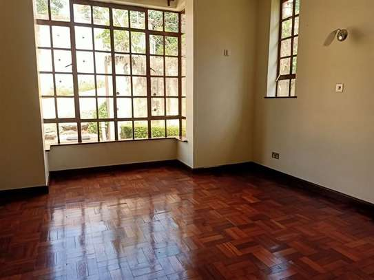 4 bedroom house for rent in Rosslyn image 10