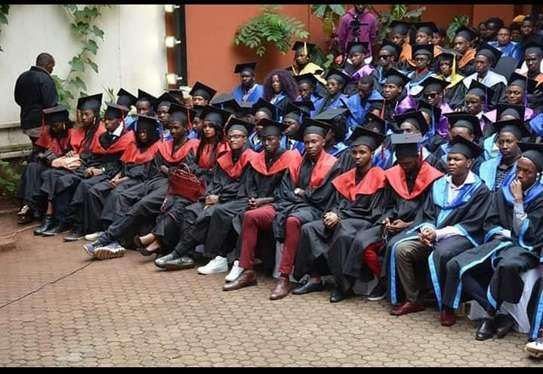graduation gowns hire