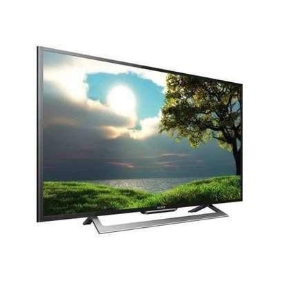 Hisense 32 inches Smart TV image 1