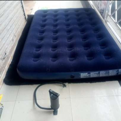 INFLATABLE MATTRESS image 4