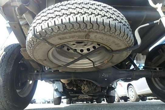 Toyota Pixis image 3