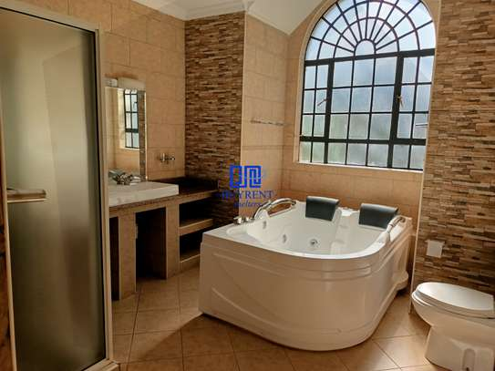 4 bedroom house for rent in Gigiri image 13