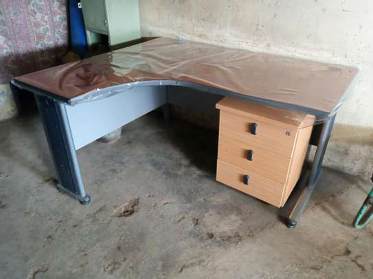 office furniture image 11