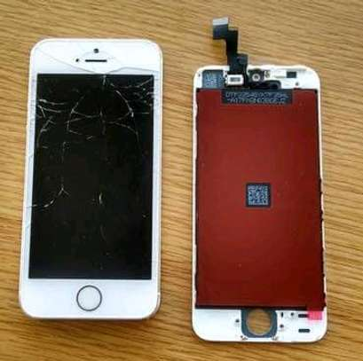 Iphone 5 screen replacements image 2
