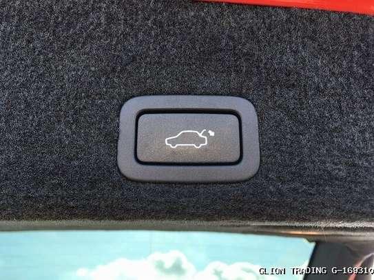 Volvo XC60 image 2