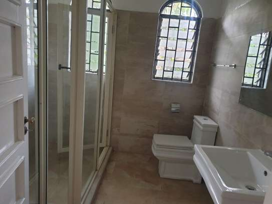 3 bedroom house for rent in Muthaiga Area image 11