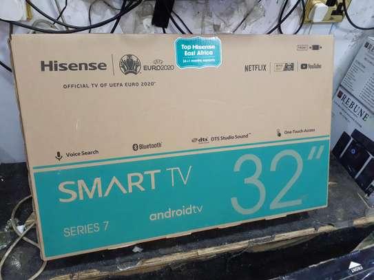 hisense 32 smart android TV image 2