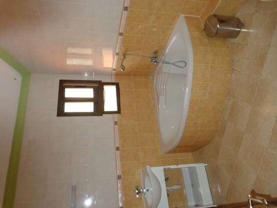 4 br fully furnished house with swimming pool for rent in Nyali. ID1529 image 14