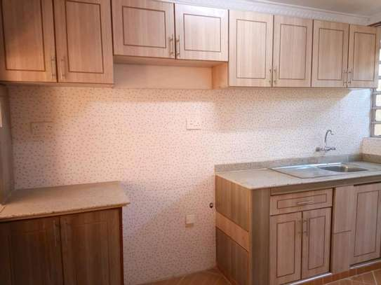 Buruburu vacant 3 bedroom maisonette image 2