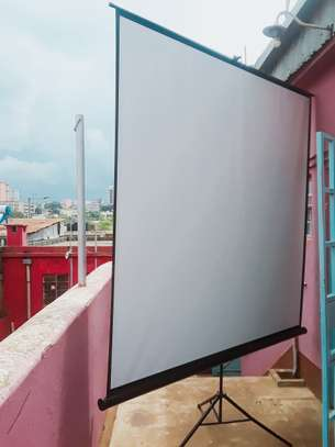 Tripod Screens For Hire image 1