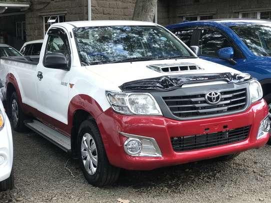 Toyota Hilux 2.5 D-4D image 2