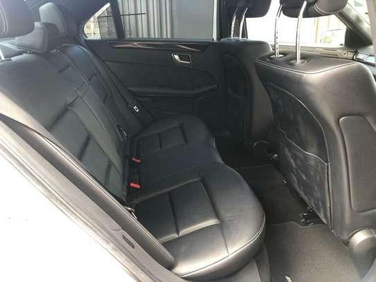 Mercedes-Benz E350 image 6