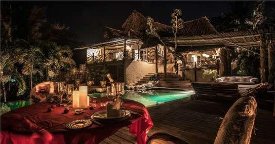 Furnished 10 bedroom villa for sale in Diani image 12