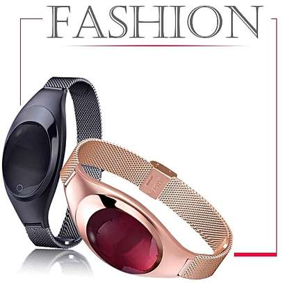 Z18 Women's Smart Bracelet With Heart Rate Pedometer Bluetooth image 3