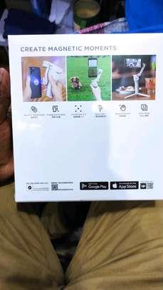 Dji smartphone stabilizer image 2