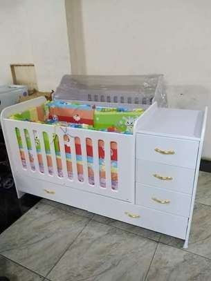 Classy Baby Crib with Chest Drawers image 4