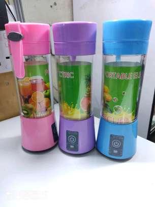 Portable Bottle blender image 1