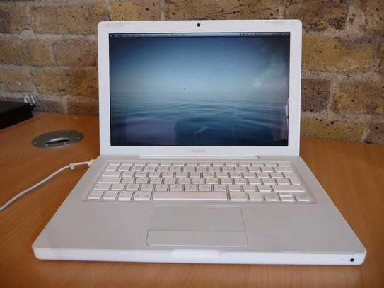 Apple MacBook Unibody 4GB 500GB