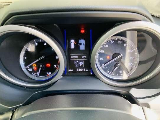 Toyota Land Cruiser Prado image 5
